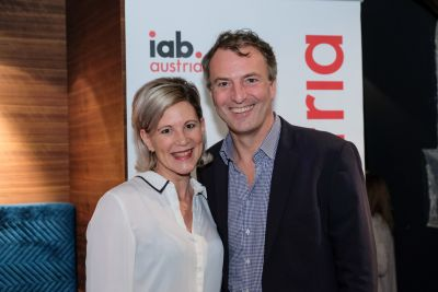 Galerie: iab austria stößt beim Happy-New-Year-Get-together an