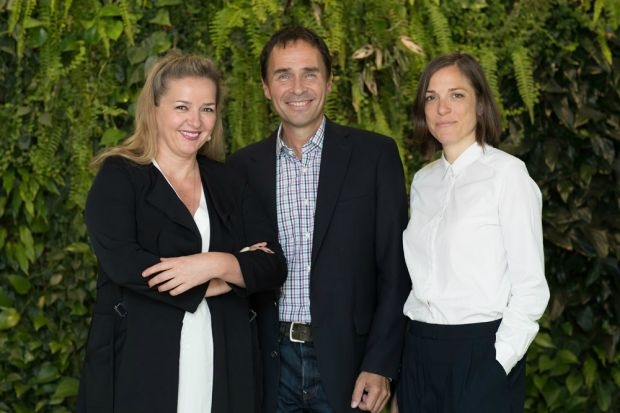 Sigrid Krupica (CEO Grayling), Thomas Lutz (Head of Communications von Microsoft Österreich) und Elisabeth Totschnig (Grayling Managing Director, Head of Technology, Telecoms & Media Unit).