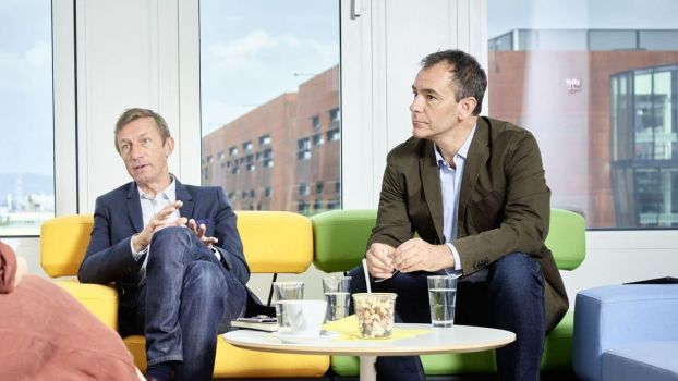 Andreas Weiss (re.), hier im HORIZONT-Interview im August, mit Thomas Le Thierry, CEO Dentsu Media EMEA.